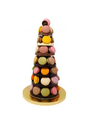 Pyramide en chocolat garnie...